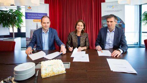 Programma Investeringsgereed Innovatief MKB (PIM) is een initiatief van de provincie Noord-Holland uitgevoerd door KplusV, Haarlemvalley en ACE. Met PIM investeert de provincie in een duurzaam, innovatief en gezond midden-en kleinbedrijf. PIM helpt innovatieve of duurzame MKB'ers met financieringsvragen door middel van maatwerkadvies, het geven van inzichten over financieringsmogelijkheden en het aanbieden van masterclasses en voorlichtingsbijeenkomsten. Ook koppelt PIM ondernemers aan zijn unieke netwerk, dat bestaat uit financiers, andere bedrijven en potentiële klanten.